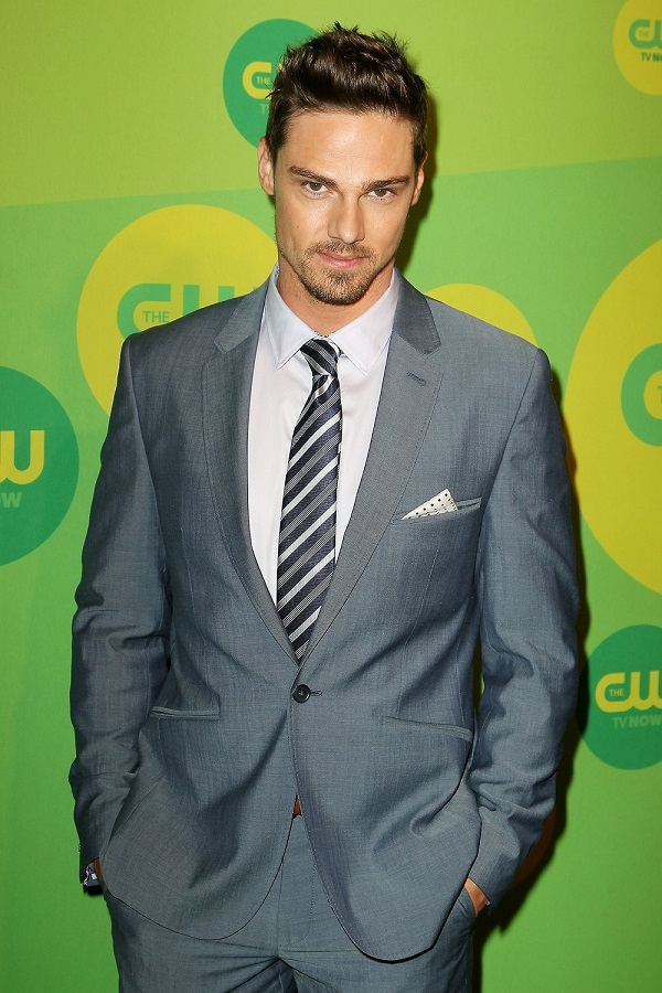 bb cw upfront 2013 jr