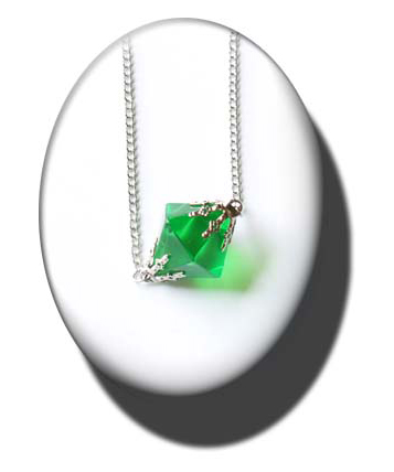 merchandise_sv_lana_kryptonite_necklace_replicaprops